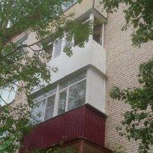 Монтаж балкона и обшивка фартука под балконом металлом ул. Ленина д. 7, этаж 4-й