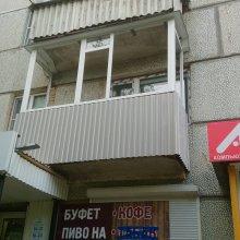 """Усинск, монтаж профнастила на фартук и балкона фигурного буквой""""П"""""""